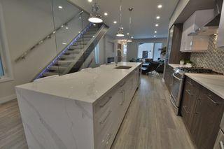 Photo 11: 9639 85 Avenue in Edmonton: Zone 15 House for sale : MLS®# E4160818