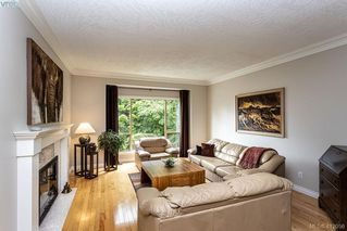 Photo 11: 22 4300 Stoneywood Lane in VICTORIA: SE Broadmead Row/Townhouse for sale (Saanich East)  : MLS®# 816982
