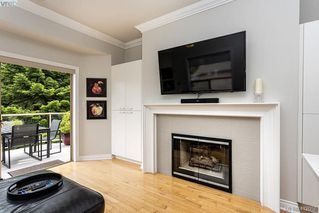 Photo 7: 22 4300 Stoneywood Lane in VICTORIA: SE Broadmead Row/Townhouse for sale (Saanich East)  : MLS®# 816982