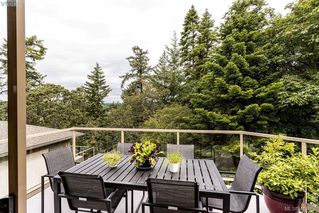 Photo 9: 22 4300 Stoneywood Lane in VICTORIA: SE Broadmead Row/Townhouse for sale (Saanich East)  : MLS®# 816982