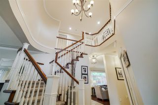 """Photo 2: 6150 165 Street in Surrey: Cloverdale BC House for sale in """"CLOVER RIDGE"""" (Cloverdale)  : MLS®# R2382723"""