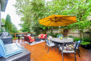 """Photo 18: 6150 165 Street in Surrey: Cloverdale BC House for sale in """"CLOVER RIDGE"""" (Cloverdale)  : MLS®# R2382723"""