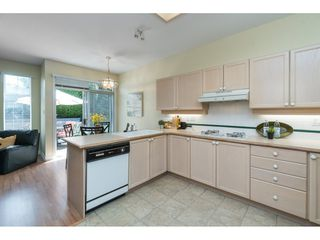 """Photo 10: 14 2533 152 Street in Surrey: Sunnyside Park Surrey Townhouse for sale in """"Bishops Green"""" (South Surrey White Rock)  : MLS®# R2382286"""