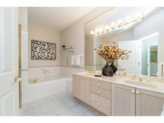 """Photo 16: 14 2533 152 Street in Surrey: Sunnyside Park Surrey Townhouse for sale in """"Bishops Green"""" (South Surrey White Rock)  : MLS®# R2382286"""