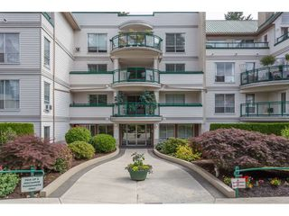 "Photo 2: 201 33280 E BOURQUIN Crescent in Abbotsford: Central Abbotsford Condo for sale in ""Emerald Springs"" : MLS®# R2384890"