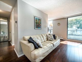"Photo 4: 402 2370 W 2ND Avenue in Vancouver: Kitsilano Condo for sale in ""CENTURY HOUSE"" (Vancouver West)  : MLS®# R2408249"