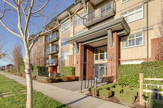 """Photo 3: 103 19201 66A Avenue in Surrey: Clayton Condo for sale in """"ONE92"""" (Cloverdale)  : MLS®# R2521649"""
