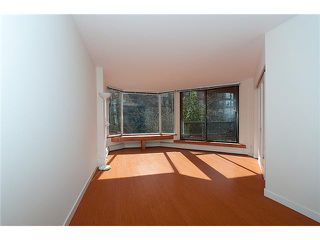 """Photo 2: 320 1330 BURRARD Street in Vancouver: Downtown VW Condo for sale in """"ANCHOR POINT"""" (Vancouver West)  : MLS®# V878179"""