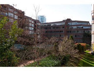 """Photo 10: 320 1330 BURRARD Street in Vancouver: Downtown VW Condo for sale in """"ANCHOR POINT"""" (Vancouver West)  : MLS®# V878179"""