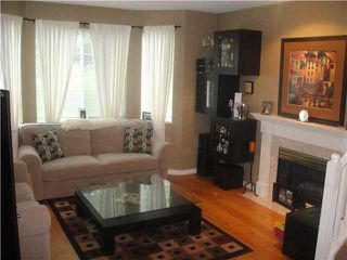 """Photo 2: 70 7501 CUMBERLAND Street in Burnaby: The Crest Townhouse for sale in """"DEERFIELD"""" (Burnaby East)  : MLS®# V882308"""