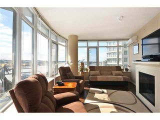 "Photo 5: 1901 892 CARNARVON Street in New Westminster: Downtown NW Condo for sale in ""Azure 2"" : MLS®# V1044252"