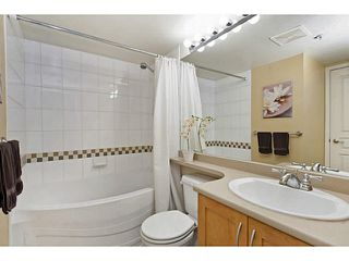 "Photo 9: 311 333 E 1ST Street in North Vancouver: Lower Lonsdale Condo for sale in ""Vista West"" : MLS®# V1099857"