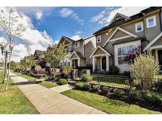 """Photo 1: 16 3268 156A Street in Surrey: Morgan Creek Townhouse for sale in """"Gateway"""" (South Surrey White Rock)  : MLS®# F1439338"""