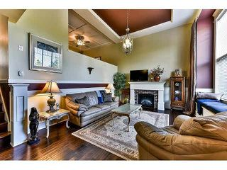 """Photo 2: 16 3268 156A Street in Surrey: Morgan Creek Townhouse for sale in """"Gateway"""" (South Surrey White Rock)  : MLS®# F1439338"""