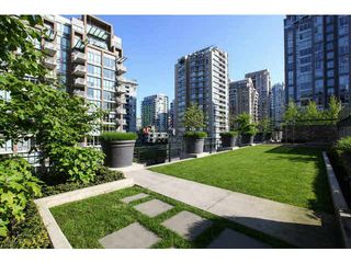 Photo 20: 403 1088 RICHARDS Street in Vancouver: Yaletown Condo for sale (Vancouver West)  : MLS®# V1122669