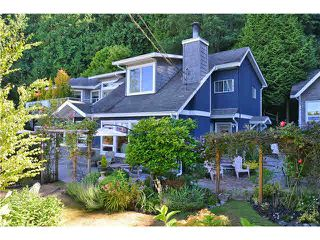 Photo 1: 1774 OCEAN BEACH ESPL in Gibsons: Gibsons & Area House for sale (Sunshine Coast)  : MLS®# R2010136
