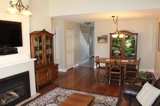 "Photo 3: 46 8737 212 Street in Langley: Walnut Grove Townhouse for sale in ""Chartwell Green"" : MLS®# R2024055"