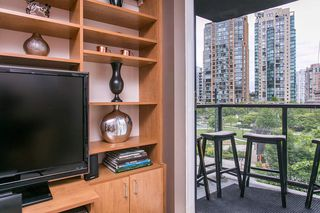 "Photo 3: 203 1199 SEYMOUR Street in Vancouver: Downtown VW Condo for sale in ""BRAVA"" (Vancouver West)  : MLS®# R2066690"