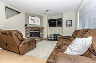 Photo 4: 39 8881 WALTERS Street in Chilliwack: Chilliwack E Young-Yale Townhouse for sale : MLS®# R2075321