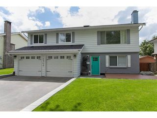 Photo 1: 18364 58B Avenue in Surrey: Cloverdale BC House for sale (Cloverdale)  : MLS®# R2088572