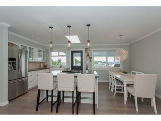 Photo 8: 18364 58B Avenue in Surrey: Cloverdale BC House for sale (Cloverdale)  : MLS®# R2088572