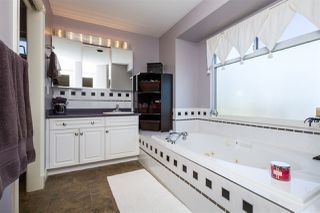 """Photo 16: 19059 63B Avenue in Surrey: Cloverdale BC House for sale in """"Bakerview Heights"""" (Cloverdale)  : MLS®# R2108364"""