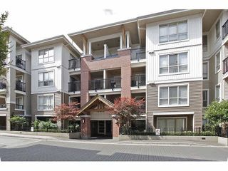 "Photo 2: C307 8929 202ND Street in Langley: Walnut Grove Condo for sale in ""The Grove"" : MLS®# R2145443"