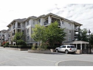 "Photo 3: C307 8929 202ND Street in Langley: Walnut Grove Condo for sale in ""The Grove"" : MLS®# R2145443"