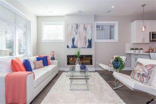 Photo 4: 1123 E 10TH Avenue in Vancouver: Mount Pleasant VE House 1/2 Duplex for sale (Vancouver East)  : MLS®# R2152047