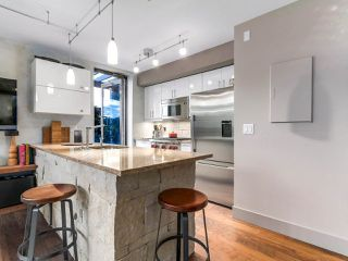 "Photo 3: 314 428 W 8TH Avenue in Vancouver: Mount Pleasant VW Condo for sale in ""XTRAORDINARY LOFTS"" (Vancouver West)  : MLS®# R2199425"