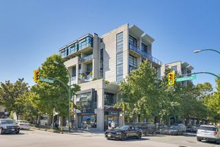 "Photo 1: 314 428 W 8TH Avenue in Vancouver: Mount Pleasant VW Condo for sale in ""XTRAORDINARY LOFTS"" (Vancouver West)  : MLS®# R2199425"