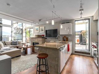 """Photo 4: 314 428 W 8TH Avenue in Vancouver: Mount Pleasant VW Condo for sale in """"XTRAORDINARY LOFTS"""" (Vancouver West)  : MLS®# R2199425"""