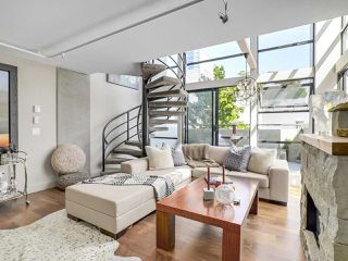 """Photo 8: 314 428 W 8TH Avenue in Vancouver: Mount Pleasant VW Condo for sale in """"XTRAORDINARY LOFTS"""" (Vancouver West)  : MLS®# R2199425"""