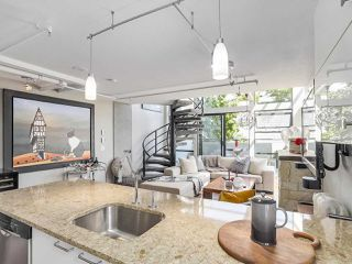"""Photo 5: 314 428 W 8TH Avenue in Vancouver: Mount Pleasant VW Condo for sale in """"XTRAORDINARY LOFTS"""" (Vancouver West)  : MLS®# R2199425"""