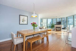 "Photo 4: 801 1088 QUEBEC Street in Vancouver: Mount Pleasant VE Condo for sale in ""The Viceroy"" (Vancouver East)  : MLS®# R2206969"