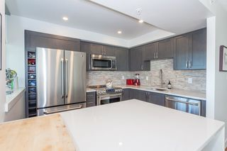 "Photo 12: 801 1088 QUEBEC Street in Vancouver: Mount Pleasant VE Condo for sale in ""The Viceroy"" (Vancouver East)  : MLS®# R2206969"