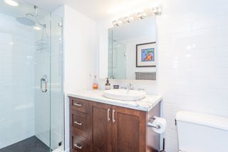 "Photo 16: 801 1088 QUEBEC Street in Vancouver: Mount Pleasant VE Condo for sale in ""The Viceroy"" (Vancouver East)  : MLS®# R2206969"