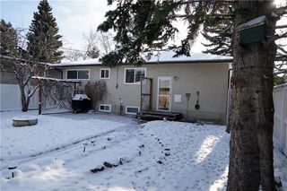 Photo 3: 7348 35 Avenue NW in Calgary: Bowness House for sale : MLS®# C4144781