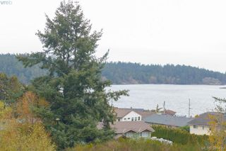 Photo 18: 408 3234 Holgate Lane in VICTORIA: Co Lagoon Condo Apartment for sale (Colwood)  : MLS®# 385420