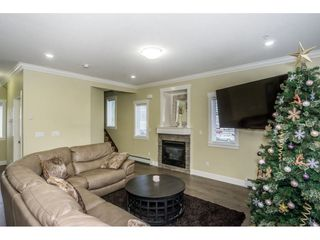 """Photo 3: 1 27234 30 Avenue in Langley: Aldergrove Langley Townhouse for sale in """"Mint Boutique Townhomes"""" : MLS®# R2226277"""