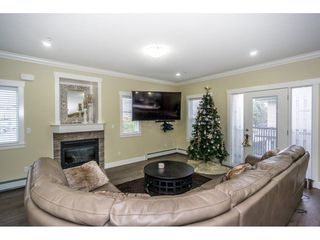 """Photo 4: 1 27234 30 Avenue in Langley: Aldergrove Langley Townhouse for sale in """"Mint Boutique Townhomes"""" : MLS®# R2226277"""