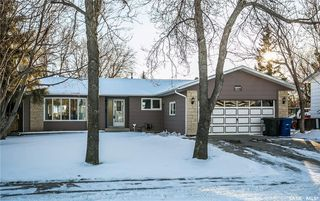 Photo 1: 437 COCKBURN Crescent in Saskatoon: Pacific Heights Residential for sale : MLS®# SK713617