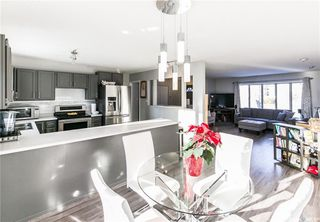 Photo 8: 437 COCKBURN Crescent in Saskatoon: Pacific Heights Residential for sale : MLS®# SK713617