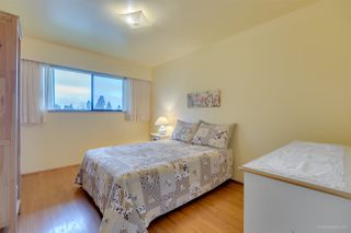 Photo 11: 4915 PARKER Street in Burnaby: Brentwood Park House for sale (Burnaby North)  : MLS®# R2238068