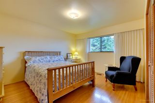 Photo 10: 4915 PARKER Street in Burnaby: Brentwood Park House for sale (Burnaby North)  : MLS®# R2238068