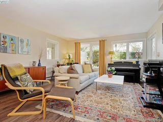 Photo 2: 108 2647 Graham St in VICTORIA: Vi Hillside Condo for sale (Victoria)  : MLS®# 780294