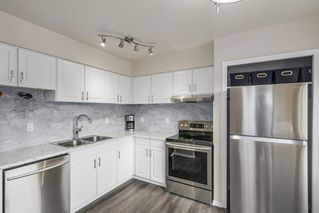 """Photo 2: 4 304 HIGHLAND Way in Port Moody: North Shore Pt Moody Townhouse for sale in """"HIGHLAND PARK"""" : MLS®# R2249831"""