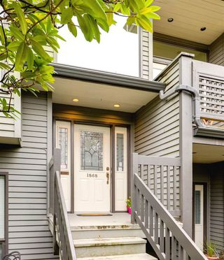 Photo 2: 1868 W 15TH Avenue in Vancouver: Kitsilano Townhouse for sale (Vancouver West)  : MLS®# R2255178
