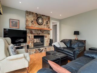 Photo 12: 16 COACH GATE Court SW in Calgary: Coach Hill House for sale : MLS®# C4184031