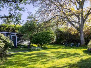 "Photo 16: 1741 ALLISON Road in Vancouver: University VW House for sale in ""UNIVERSITY ENDOWMENT LANDS"" (Vancouver West)  : MLS®# R2268035"